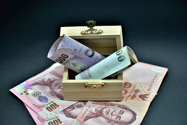 bankovky v tuhličce.jpg