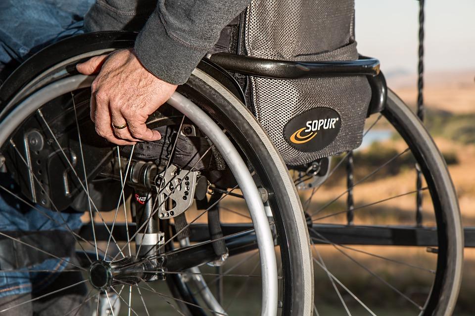 invalidní vozíček